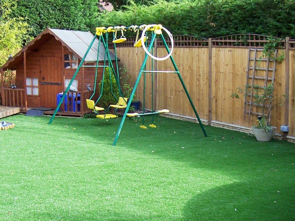 Искусственный газон для домашнего участка