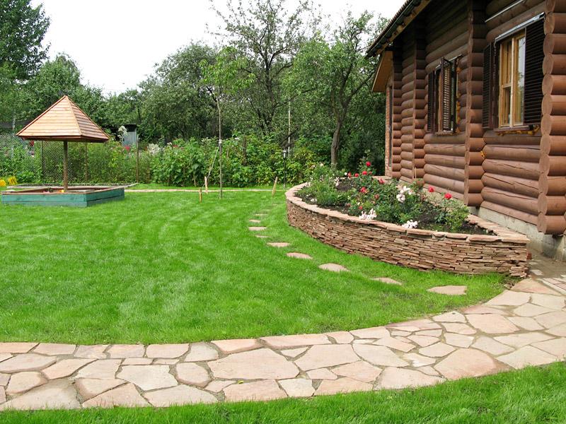искуственный газон на даче
