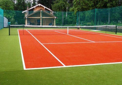 тенисный корт, оранжевый искусственный газон